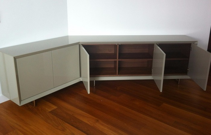 project-italian-furniture-miami-nabu-home-valencia-ciencias-aparador-abierto